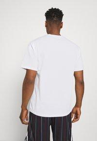 Nike Sportswear - TEE AIR LOOSE FIT - T-shirt med print - white - 0