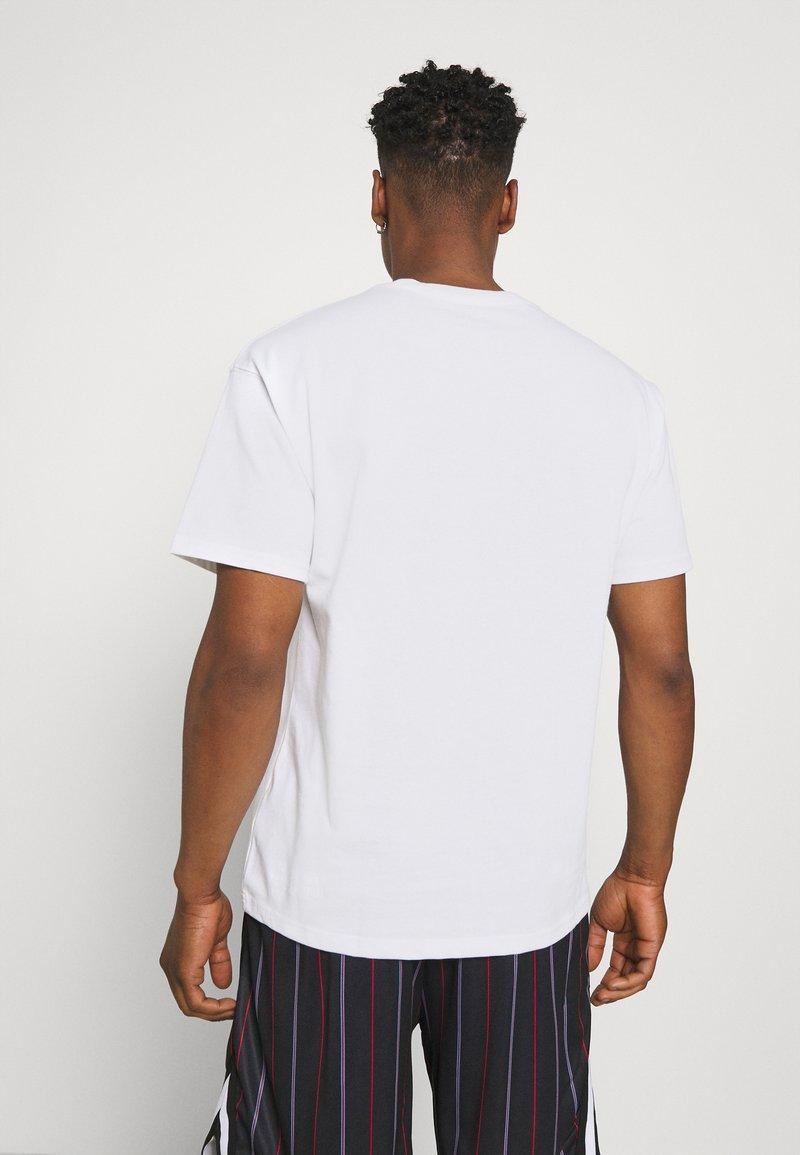 Nike Sportswear - TEE AIR LOOSE FIT - T-shirt med print - white