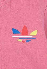 adidas Originals - HOODIE SET UNISEX - Zip-up sweatshirt - rose tone - 3