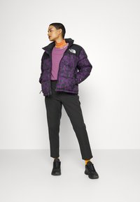 The North Face - CITY STANDARD ANKLE PANT - Chinos - black - 1