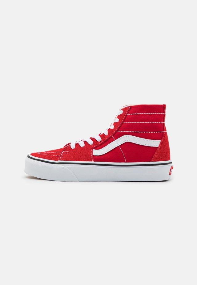 SK8 TAPERED - Sneakers hoog - racing red/true white