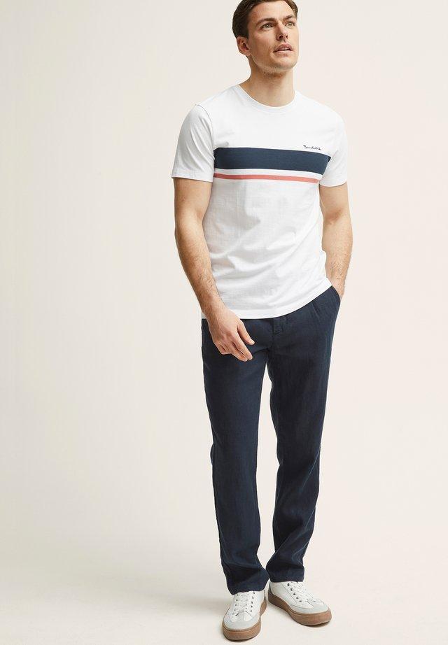 NOAH - Pantalon classique - navy blazer