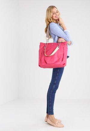 MIX N MATCH BAG - Borsa fasciatoio - strawberry