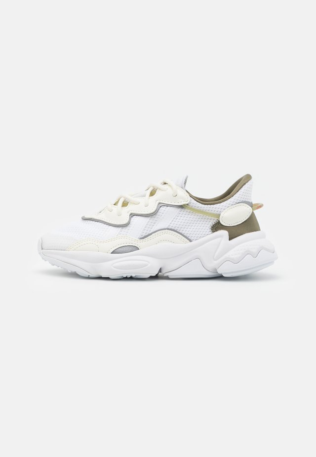 OZWEEGO UNISEX - Sneakers basse - footwear white/offwhite