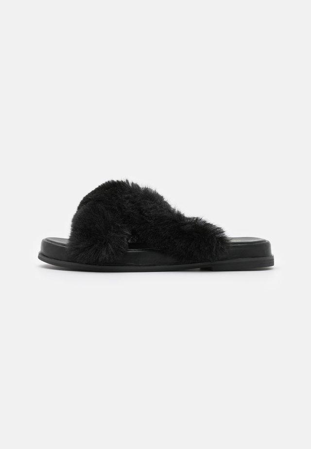 ELLA X STRAP MULE - Pantofle - black
