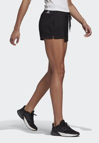 adidas Performance - ESSENTIALS SLIM LOGO SHORTS - Träningsshorts - black/white - 2