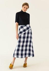 IVY & OAK - Maxi skirt - navy blue - 1