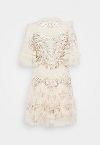 Needle & Thread - LALABELLE MINI DRESS - Koktejlové šaty/ šaty na párty - champagne - 1