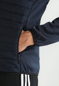 Jack & Jones - JCOMULTI QUILTED JACKET - Outdoorjacke - dark blue - 7