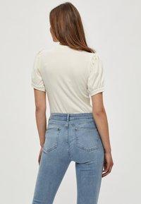 Minus - JOHANNA  - Basic T-shirt - cloud dancer - 2