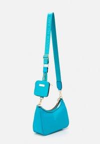 River Island - SET - Across body bag - blue - 1