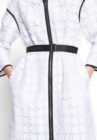 KARL LAGERFELD - CIRCLE COAT - Zimní kabát - white - 7