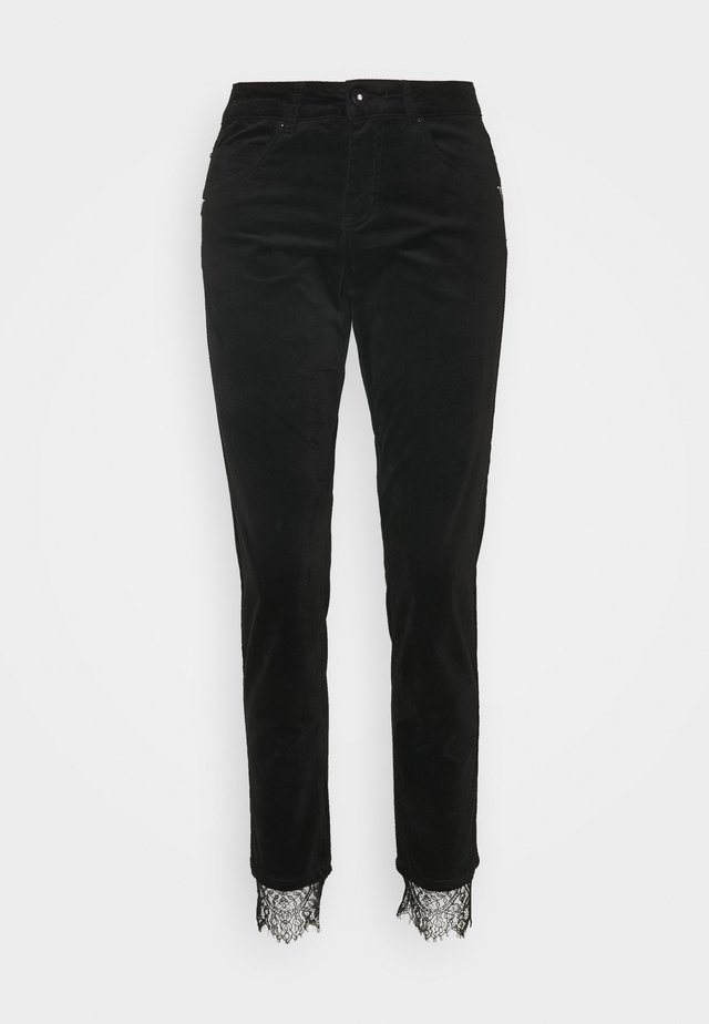 CRSTINNA COCO FIT - Jeans Tapered Fit - pitch black