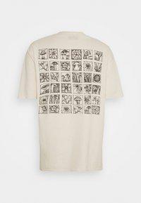 Vintage Supply - MUSHROOM MULTI TEE - Print T-shirt - natural - 1