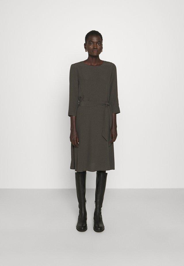 2ND JUNE - Korte jurk - beluga