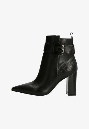 ELLYNE  - Korte laarzen - schwarz
