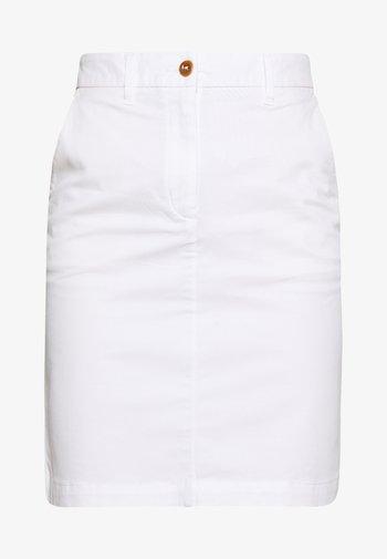 CLASSIC CHINO SKIRT - Pencil skirt - white
