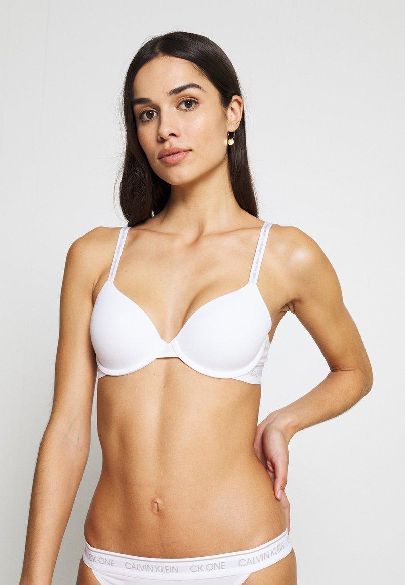 Calvin Klein Underwear - ONE LINED DEMI - Sujetador básico - white