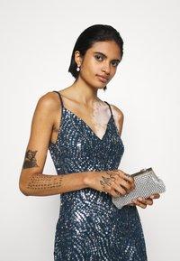Lace & Beads - FRANCINE MAXI - Společenské šaty - navy - 3