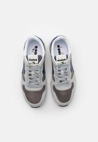 Diadora - ICONA UNISEX - Sneakers - high-rise/charcoal grey/blue - 3
