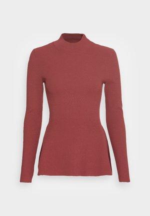 SIDE DRAPE - Long sleeved top - rouge