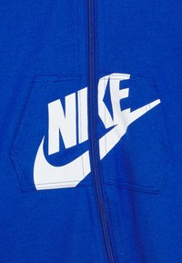 Nike Sportswear - HOODED BABY COVERALL UNISEX - Jumpsuit - game royal - 2