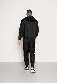 Nike Sportswear - Tepláková souprava - black - 2