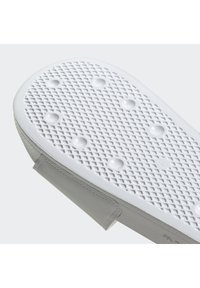 adidas Originals - ADILETTE SPORTS INSPIRED SLIDES - Slip-ins - ftwwht/cblack/royblu - 6