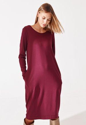 KOKA - Denní šaty - plum violet