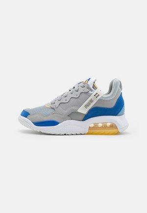 MA2 - Sneakers laag - light smoke grey/game royal/university blue/pollen/white/black