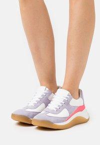 Sportmax - CUPIDO - Sneakers laag - bianco - 0