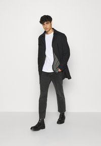 Selected Homme - SLHNEWJEFF OPEN  - Cardigan - anthracite/egret - 1