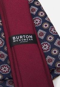 Burton Menswear London - EPP & GEO SET - Tie - burgandy - 3