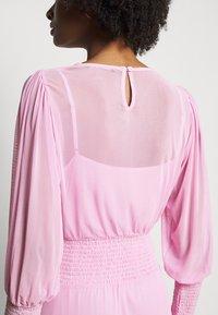 Bruuns Bazaar - THORA ELLIEA DRESS 2-IN-1 - Sukienka letnia - pink lavender - 5