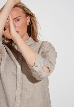 MODERN CLASSIC - Button-down blouse - sand