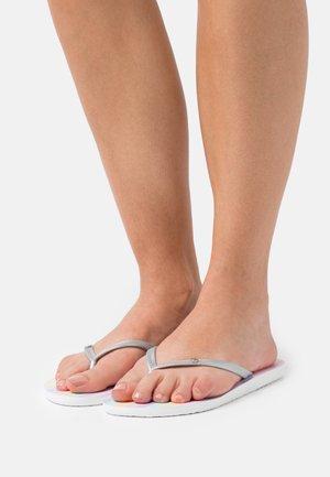 BERMUDA - Pool shoes - white/multicolor