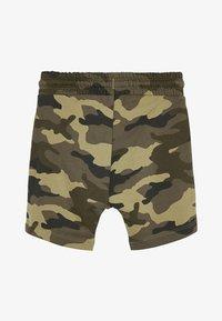 Next - CAMOUFLAGE SHORTS (3MTHS-7YRS) - Shorts - green - 1
