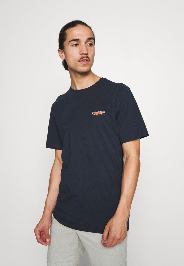 SLHHOLIDAY O NECK TEE - T-shirt basic - dark sapphire
