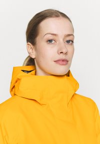 Didriksons - EDITH - Waterproof jacket - saffron yellow - 3