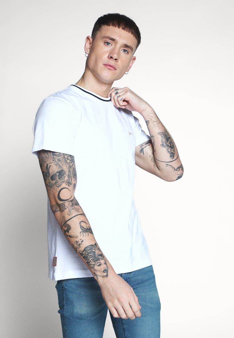 Le Fix - TEE - T-shirts basic - white