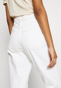 Topshop - MOM - Relaxed fit jeans - offwhite - 3