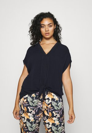 KIRA KNOTTED FRONT TEE - Top - navy