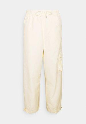 CLASH PANT - Trousers - coconut milk/pale vanilla