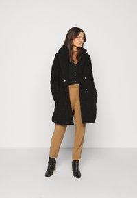 Noisy May Petite - NMGABI JACKET - Classic coat - black - 1