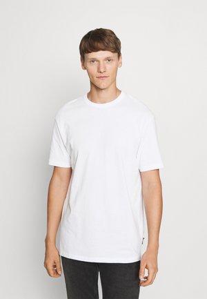 BOXY - T-shirt basic - white