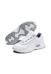 Puma - Trainers - off-white - 2