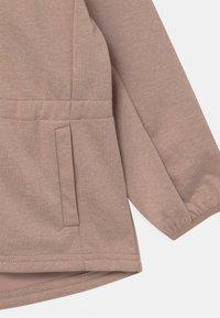 Wheat - GILDA UNISEX - Soft shell jacket - fawn melange - 3