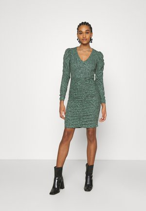 ONLJESSY ROUCHING DRESS - Žerzejové šaty - balsam green/black