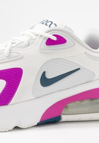 Nike Sportswear - AIR MAX 200 - Sneakersy niskie - photon dust/valerian blue/white/vivid purple - 2