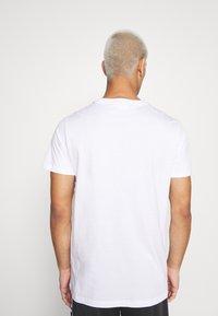 Fila - SAUTS TEE - Print T-shirt - bright white - 2